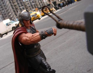 Mighty Thor Marvel Select (3)