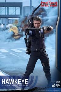 Civil War One Sixth scale Hawkeye   (1)