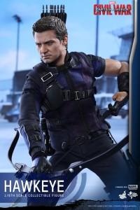 Civil War One Sixth scale Hawkeye   (13)