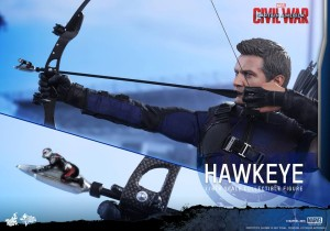 Civil War One Sixth scale Hawkeye   (2)