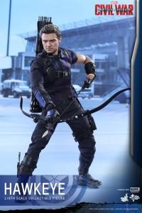 Civil War One Sixth scale Hawkeye   (3)