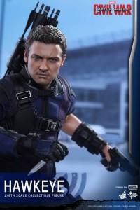 Civil War One Sixth scale Hawkeye   (6)