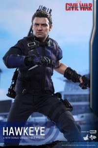 Civil War One Sixth scale Hawkeye   (8)
