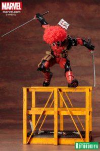 marvel-comics-super-deadpool-artfx-statue-16