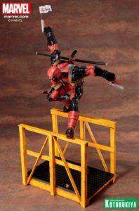 marvel-comics-super-deadpool-artfx-statue-9