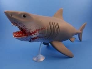 Jaws Reaction Bloody Shark 11